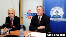 Nacionalni koordinator za NATO Nebojša Kaluđerović (D) drži predavanje na Univerzitetu Mediteran