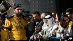 Các hướng đạo sinh Palestine bắt đầu các hoạt động mừng Lễ Giáng sinh tại thị trấn Bethlehem ở Khu Bờ Tây với một cuộc diễu hành qua Quảng trường Máng cỏ.