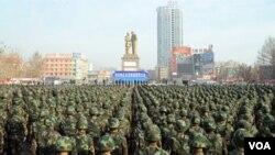 和田2月16日舉行反恐維穩誓師大會(博聞社圖片)