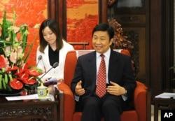 中国副主席李源潮在中南海会见西班牙外长(2013年6月25日)
