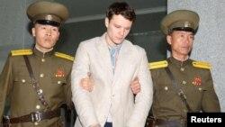 Otto Warmbier falleció el pasado lunes en un hospital de Estados Unidos. Su familia y otros, incluyendo el presidente Donald Trump, culparon a Corea del Norte del estado en que fue devuelto.