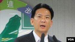 民进党发言人 林俊宪( 美国之音张永泰拍摄)