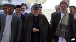 卡爾扎伊說要與巴基斯坦並肩作戰。