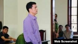 Ông Nguyễn Năng Tĩnh tại phiên tòa ngày 15/11/2019 ở Nghệ An. Photo Bao Nghe An