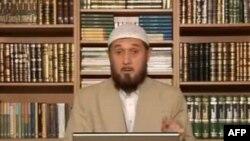 Qori rasmiy Toshkentning, ayniqsa, musulmonlarga nisbatan siyosatning ashaddiy tanqidchilaridan