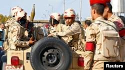 Pripadnici egipatske vojske na sjevernom Sinaju, 1. decembra 2017. (arhivski snimak)