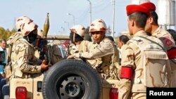 عکس آرشیوی از نظامیان مصری در شمال صحرای سینا