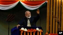 Hindistan baş naziri Narenda Modi Pakistanı militantlara dəstək verməkdə ittiham edir.