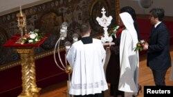 Ðức giáo hoàng Phanxicô vừa làm lễ phong thánh cho các nữ chân phước tại Vatican, ngày 17/5/2015.
