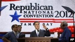 ရီပါဘလစ္ကင္ ပါတီညီလာခံမွာ ေျပာမယ့္မိန္႔ခြန္းဟာ မစၥတာ Romney ရဲ့ ဘ၀နဲ႔ ဆိုင္တဲ့ မိန္႔ခြန္းျဖစ္လိမ့္မယ္လို႔ သူ႔ရဲ့လက္ေထာက္ေတြက ပံုေဖာ္ေျပာဆိုေနၾကပါတယ္။