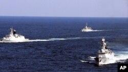 Các tàu Hải quân Trung Quốc trong một cuộc diễn tập.