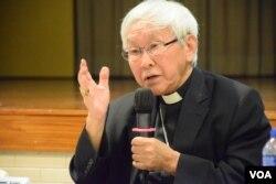 香港教區榮休主教陳日君樞機(2016年11月13日,美國之音湯惠芸拍攝)