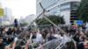 Demonstran Hong Kong Biarkan Petugas Bersihkan Kamp