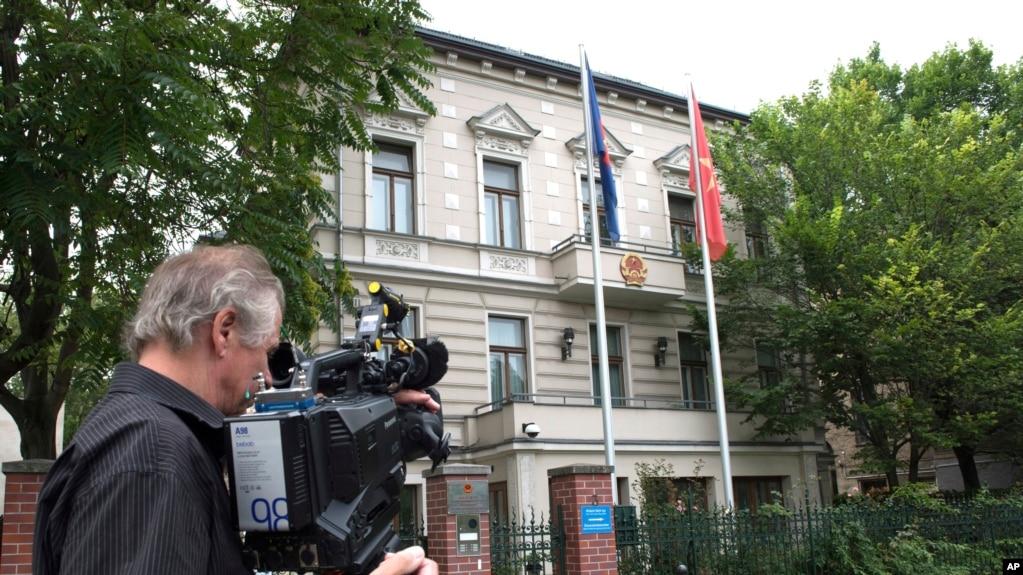 Tòa Đại sứ Việt Nam tại Berlin, Đức.