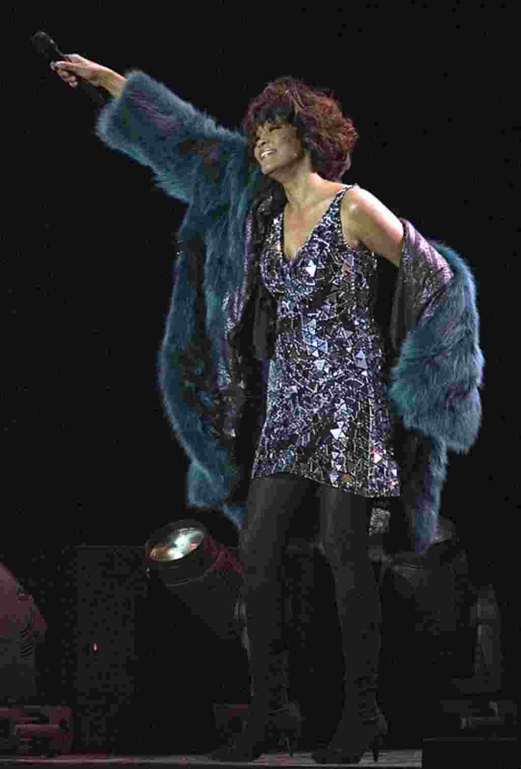American pop star Whitney Houston performs at a concert in Moscow, Russia, Wednesday, Dec. 9, 2009. (AP)