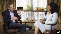 Vận động viên Lance Armstrong (trái) và Oprah Winfrey người thực hiện cuộc phỏng vấn