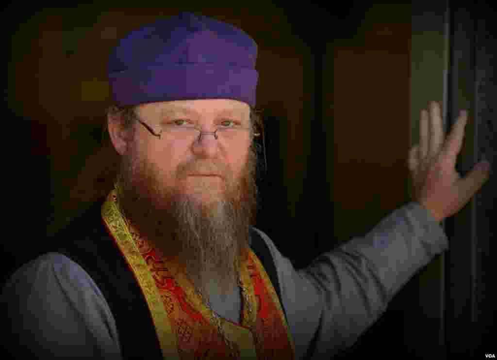 Священник Русской зарубежной церкви Стивен Веб