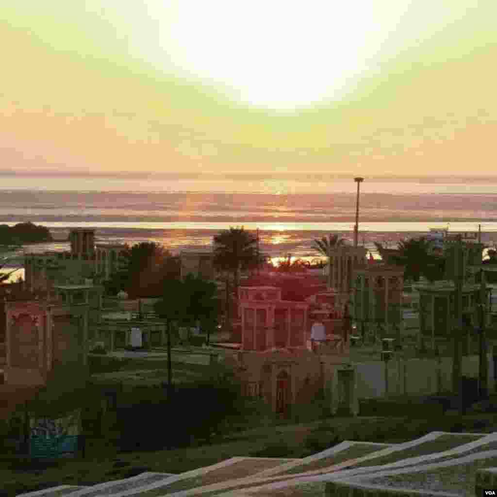 غروب بندر لافت در جزیره قشم عکس: مهدی سلمانی (ارسالی شما)