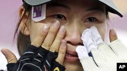 런던올림픽 사격 여자 10m 공기소총 개인전에서 금메달을 획득한 중국의 이쓰링 선수