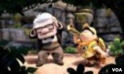 Pada petualangannya ke Paradise Falls, Carl ditemani seorang pramuka cilik, Russel (kanan).