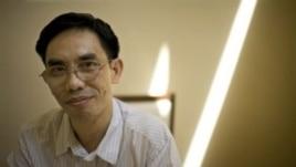 Nhà tranh đấu dân chủ người Mỹ gốc Việt Nguyễn Quốc Quân đang bị Hà Nội giam cầm.