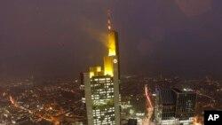 Le siège de la Commerzbank à Francfort en Allemagne (AP)