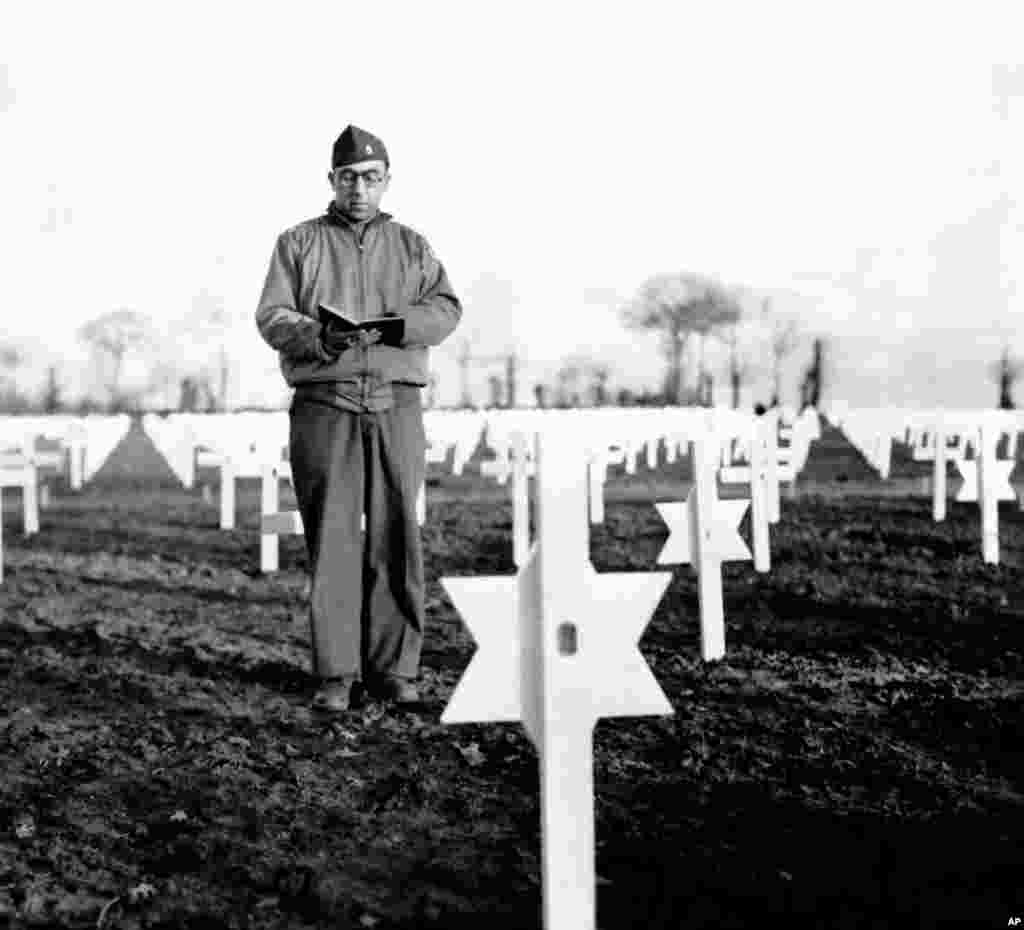 Chaplain Abraham Haselkorn at the American Cemetery in Normandy, 1945. (Photo courtesy Jewish Chaplains Council)