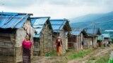 ပန္ဆိုင္း တိုက္ပြဲေတြကေန တိမ္းေရွာင္ ခိုလံႈေနရသူမ်ား၊ ၾသဂုတ္လ ၁၅၊ ၂၀၂၁။ (ဓာတ္ပံု- MNWM / AFP)