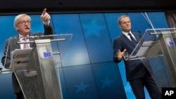 Predsednik Evropske komisije Žan Klod Junker i predsednik Evropskog saveta Donald Tusk