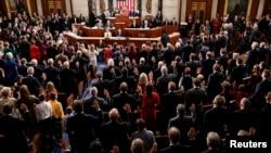 第116屆美國國會2019年1月3日正式上任,一共有10位新科參議員和100新科眾議員宣誓就職。