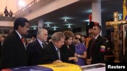 El expresidente de Brasil Luiz Inacio Lula da Silva asiste a las exequias de Hugo Chávez Frías.