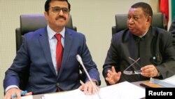 Le président qatari de l'OPEP Mohammed bin Saleh al-Sada et le secrétaire général à Vienne, Autriche, le 30 novembre 2016.