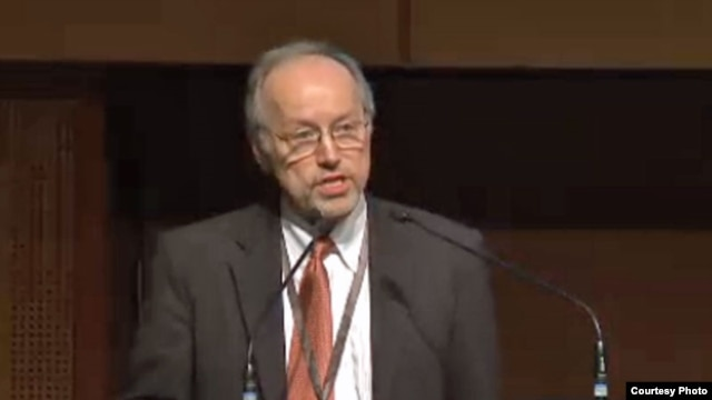 Worldwatch Institute President Robert Engelman addressed consequences of rapid global population growth. (Credit: Women Deliver)