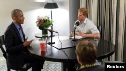 Rais mstaafu Barack Obama akiwa na Prince Harry