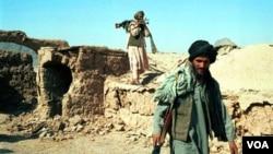 Tentara Taliban di Afghanistan (foto: dok). Pemerintah Obama mengaku mendukung usaha pemerintah Afghanistan untuk berdamai dengan kelompok ini.