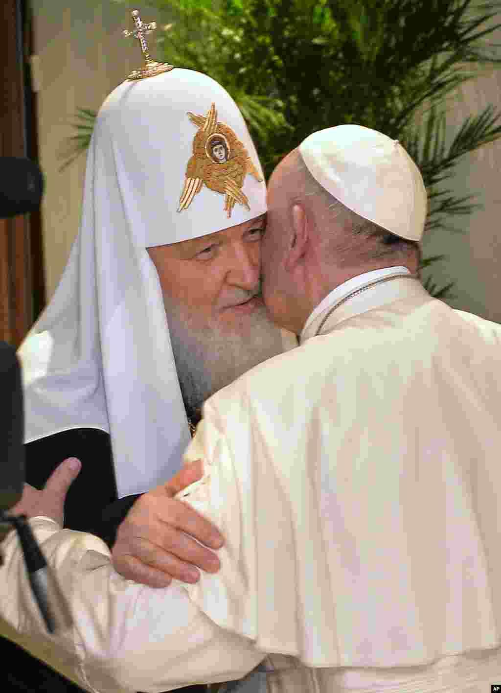 Patriarx Kirill va Papa Fransisk