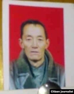 多杰仁青遗像(民众向美国之音藏语组提供)