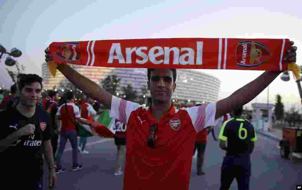 یک طرفدار آرسنال. شهر باکو پایتخت آذربایجان میزبان بازی چهارشنبه شبفینال لیگ اروپا بین آرسنال و چلسی هر دو از انگلیس بود.