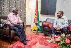 Paz em Moçambique só por via de negociações sinceras - 2:59