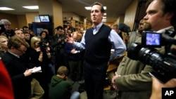 Candidate Rick Santorum campaigns in Iowa on Jan. 1, 2012