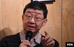 香港中文大學文化管理碩士課程主任何慶基。(美國之音湯惠芸)