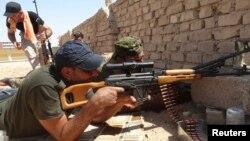 Pasukan Irak berjuang untuk mempertahankan kota Ramadi yang diperkirakan akan jatuh ke tangan militan ISIS (foto: dok).