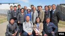 북한 농업 전문가들이 AFSC의 지원을 받아 중국에서 농업, 축산 연수교육을 받고 있다.