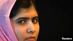 Malala Yousafzai, la niña paquistaní atacada por los talibanes, y quien recibió el Premio Nobel por su defensa de los derechos de las niñas.