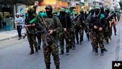 Nhiều nhà phân tích Ai Cập xem Hamas là một tổ chức xuất thân từ nhóm Huynh đệ Hồi giáo khi Ai Cập còn cai trị Gaza từ năm 1948 đến năm 1967.
