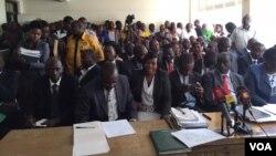 Teachers attend hearing in Nairobi, Kenya, Sept. 28, 2015 (Photo: J. Craig / VOA)