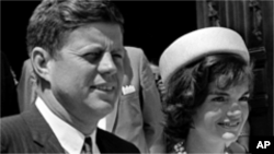 President John F. Kennedy, Jr. and his wife, Jackie.
