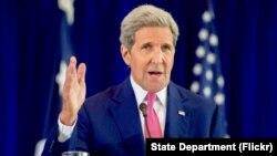 Menlu AS John Kerry mengatakan pemerintah AS sedang mempelajari jumlah pengungsi yang akan diterima di Amerika (foto: dok).
