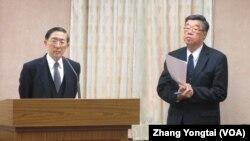 台湾外长林永乐(左)于3月12号在立法院接受质询(美国之音张永泰拍摄)