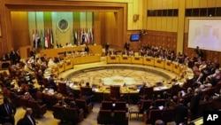Les ministres arabes des Affaires étrangères assistent à une séance de la Ligue arabe d'urgence au Caire , en Egypte, le 20 janvier 2106. La Ligue arabe a officiellement désigné Hezbollah libanais une organisation terroriste .